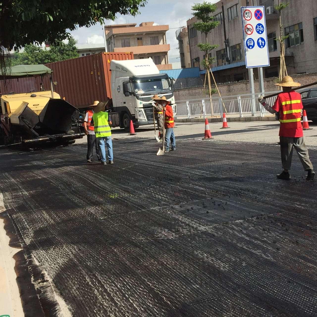 土工格栅应用于哈市市政工程